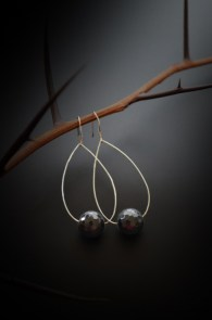 black-crystal-earrings
